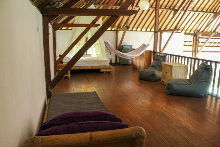 Loft in a quiet villa with pool and gardens - Kuta Utara - Loft