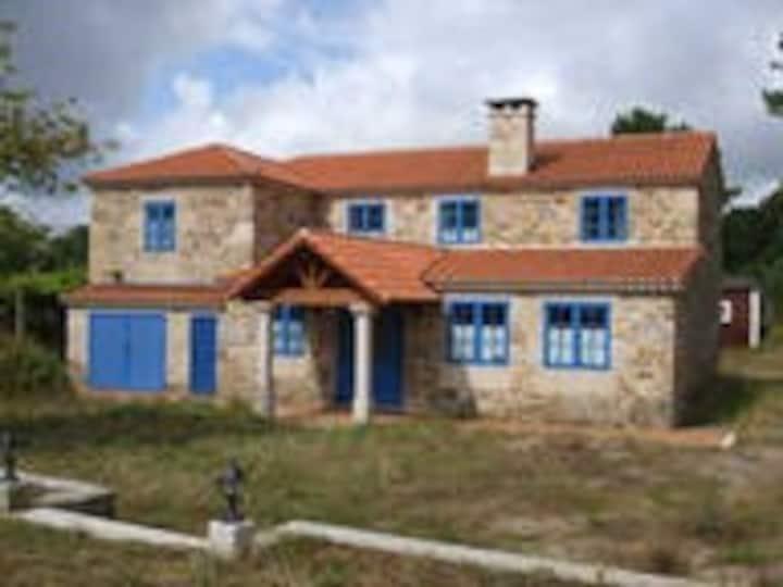 Preciosa casa rural restaurada en piedra.