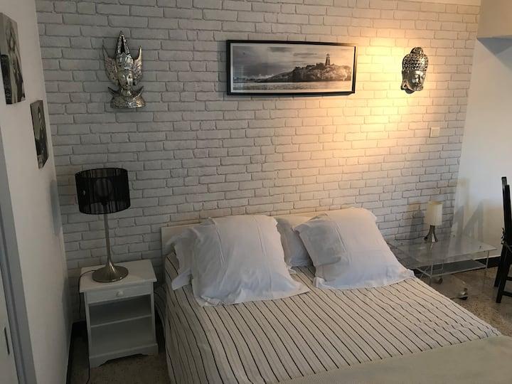 Appartement dans villa au calme