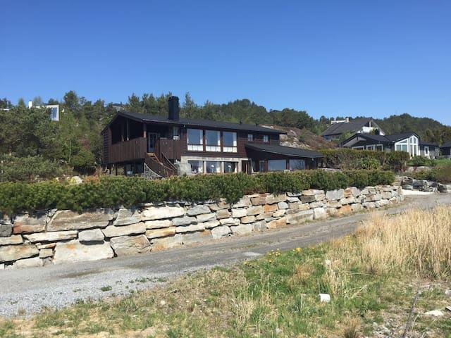 Rett v sjøen m fiskemulighet Bergen - Strandvik - Kabin