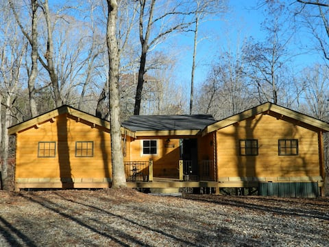New Cabin Near Wineries Perfect for Two Couples
