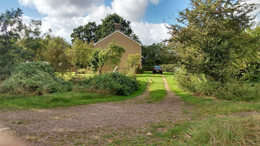 Spacious House in Peaceful Surroundings, Cranfield - Cranfield