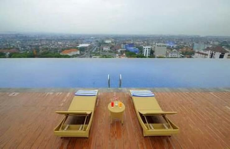 Amazing infinity pool access for free