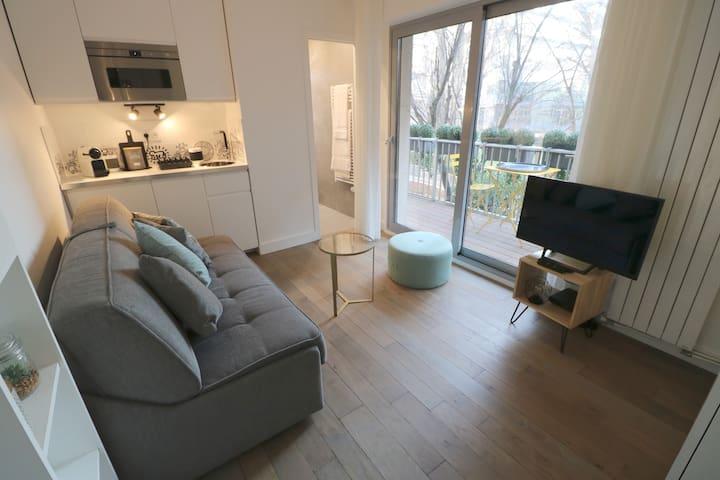 Studio neuf & cosy avec terrasse - Proche métro