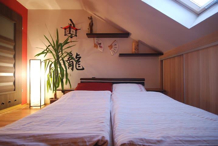 Pod Winogronami: Przestronny pokój z tarasem - Mielno - Haus