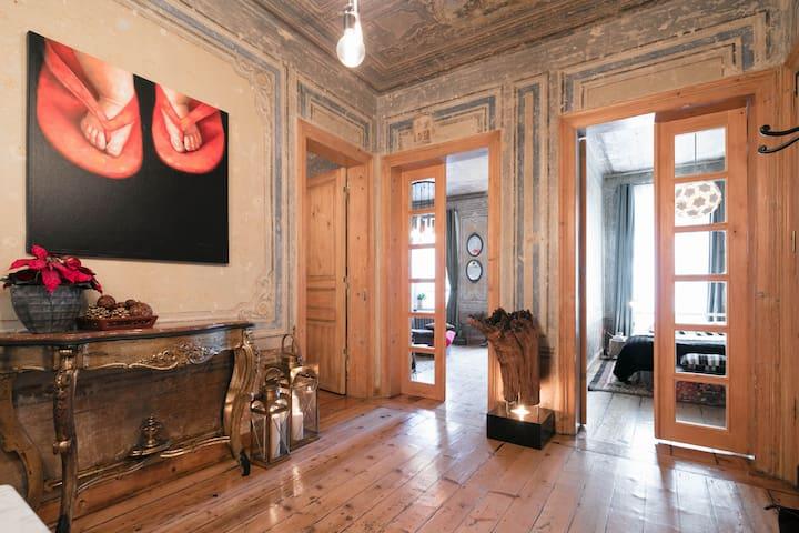 -NEW-19thCENTURY GALATA APT W/PATIO - Istanbul - Apartment