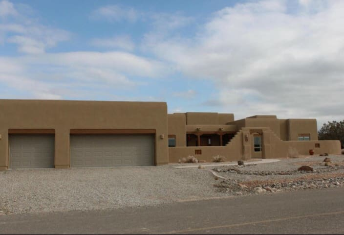 Comfortable spacious brand new home - Placitas - Talo