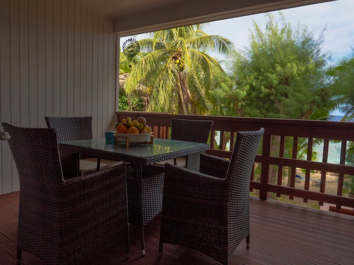 Jacqui's Beach Retreat: Leila Apartment 3