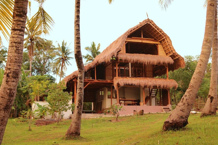 Sumba Surf Camp at Pantai KEREWE meals included - Kota Waikabubak - Guesthouse