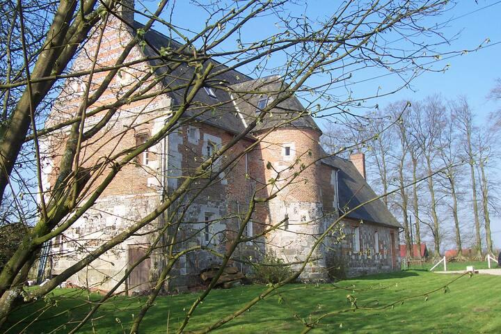 Très joli manoir du XVIèm siècle. - Beuzeville-la-Guérard