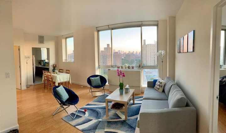 Beautiful 1 Bdrm Apt with Incredible Views of NYC