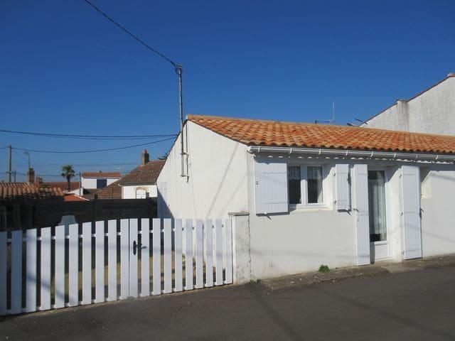 Maison courette cloturée, 50m plage réf 411 - La Tranche-sur-Mer - House