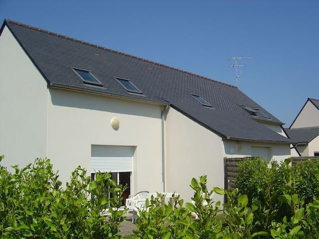 Maison neuve en duplex 65 m2 avec jardin - Binic - Hus