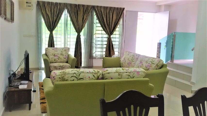 1) Living Room complete with air cond, ceiling fan and 3+2+1 seater sofa. 2) TV with Unifi decoder. 3) Wifi available.