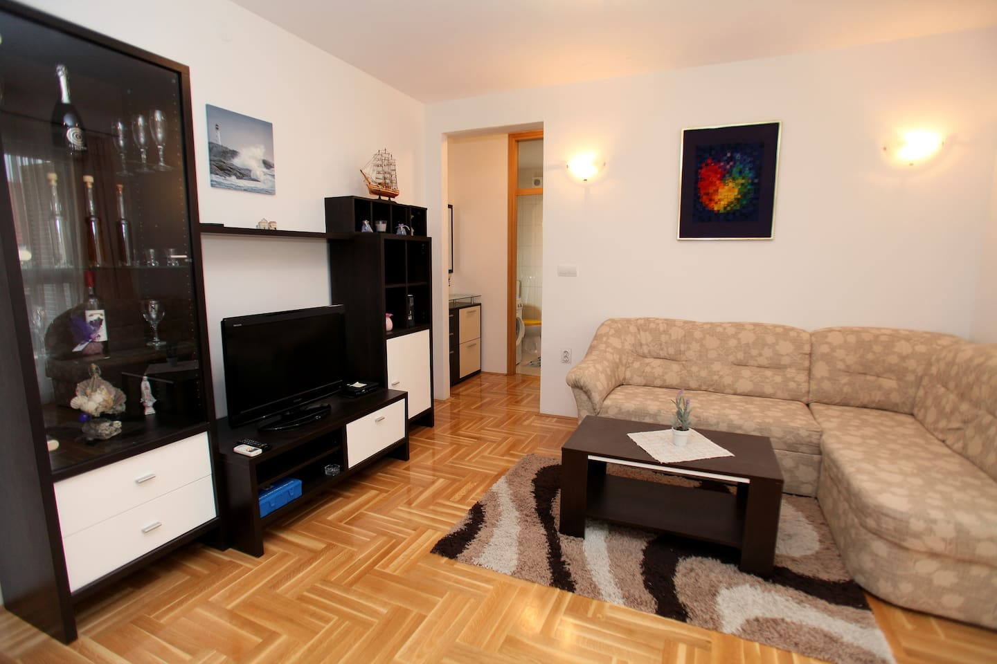 Kapitanovic - Two Bedroom Apartment with Terrace