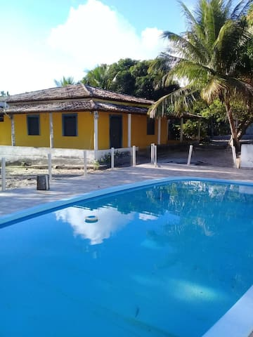 Casa em sítio com piscina