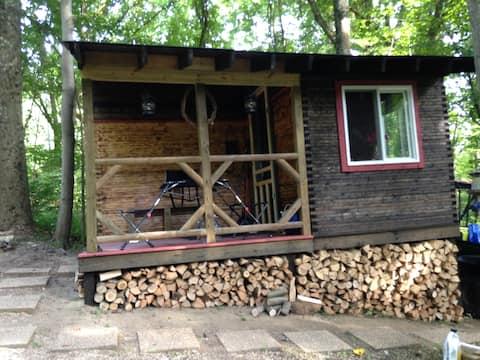 Cozy Semi-Primitive Cabin w/ additional tent site