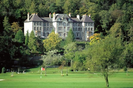 Sheraton Apartment, Hazelwood Court - Grange-over-Sands