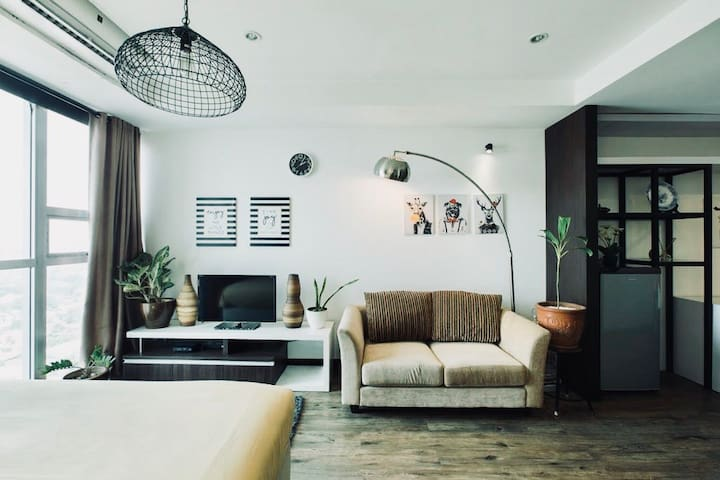 Fresh, Eclectic & Effortlessly Cool Studio Kemang