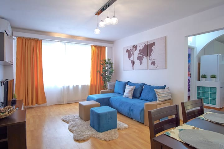 NEW Travel In Style Home in the City Center