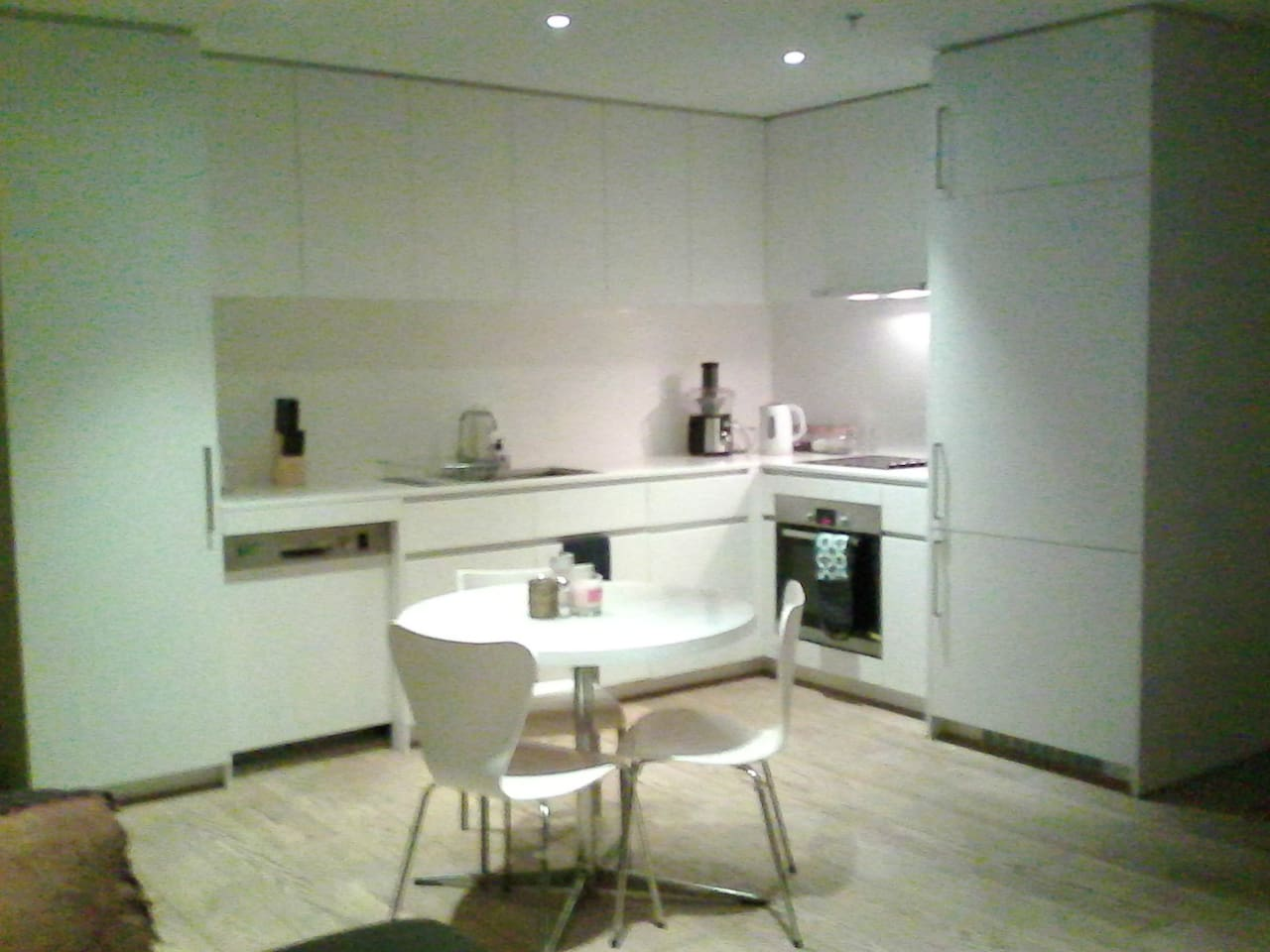 Open plan, clean kitchen comes with all the nesesary equipment and more that you need to entertain and impress any guest.