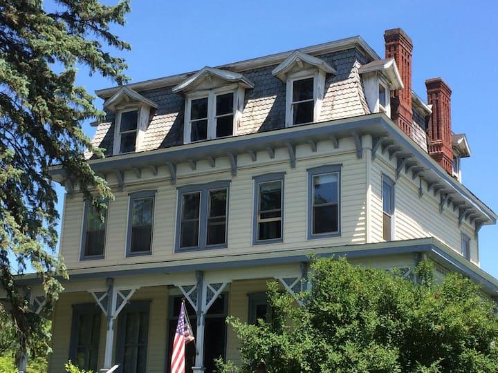 Historic Schodack Landing Homestead