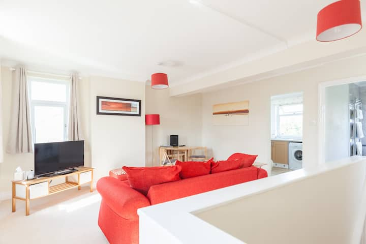 Toothbrush Apartments - 1 Bed Apartment - East Ipswich, Parking (1st Flr)