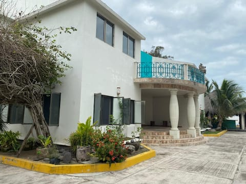 Casa descanso en rivera de río, playa Juan Ángel