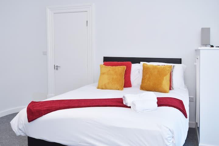 Townhouse @ 15 Brunswick Place Stoke - Double Room