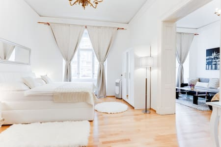 WENCESLAS SQUARE ROYAL APARTMENT