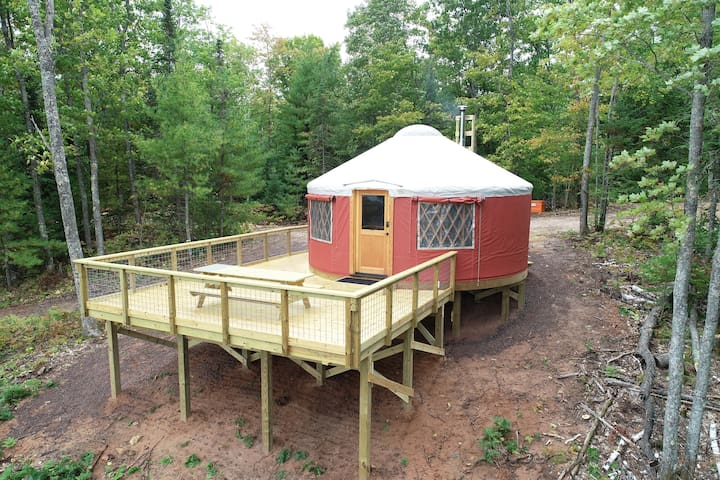 Bayfield Rustic Yurt 2 (Terra Cotta)