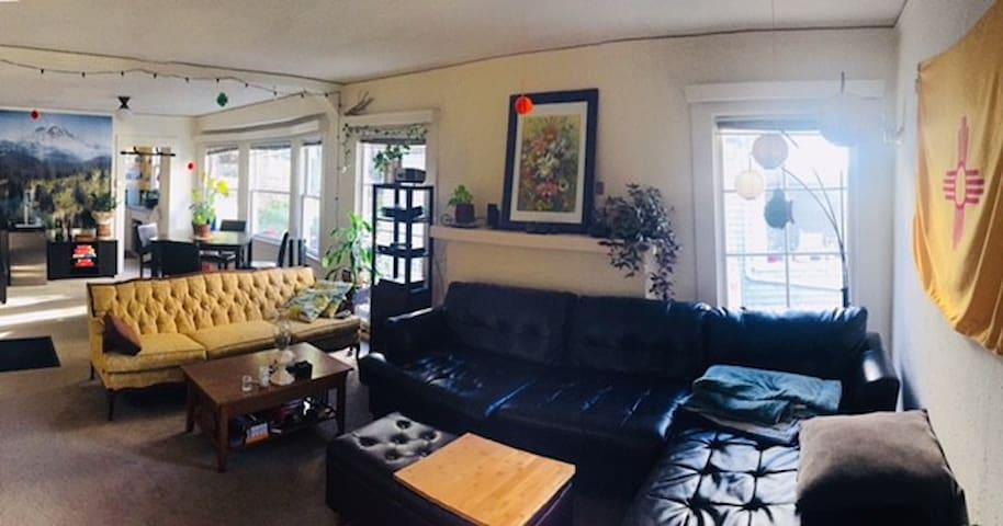 Home near Rose Garden and Lake Merritt