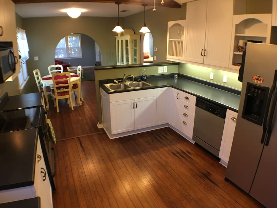 House with kitchen for rent in Fredericksburg, Texas.
