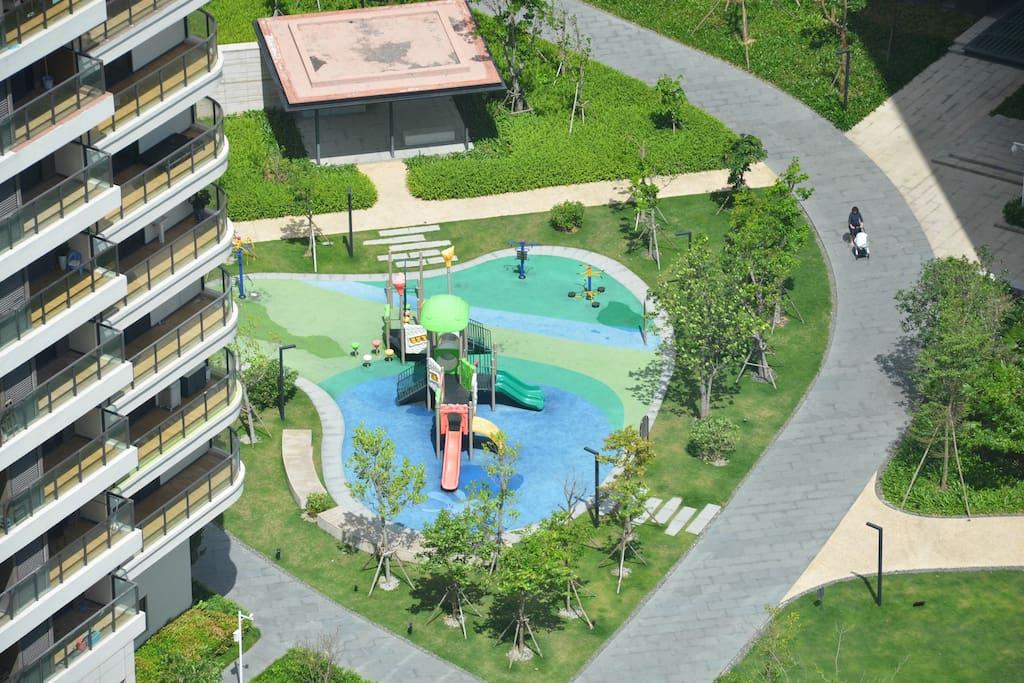 小区内儿童乐园