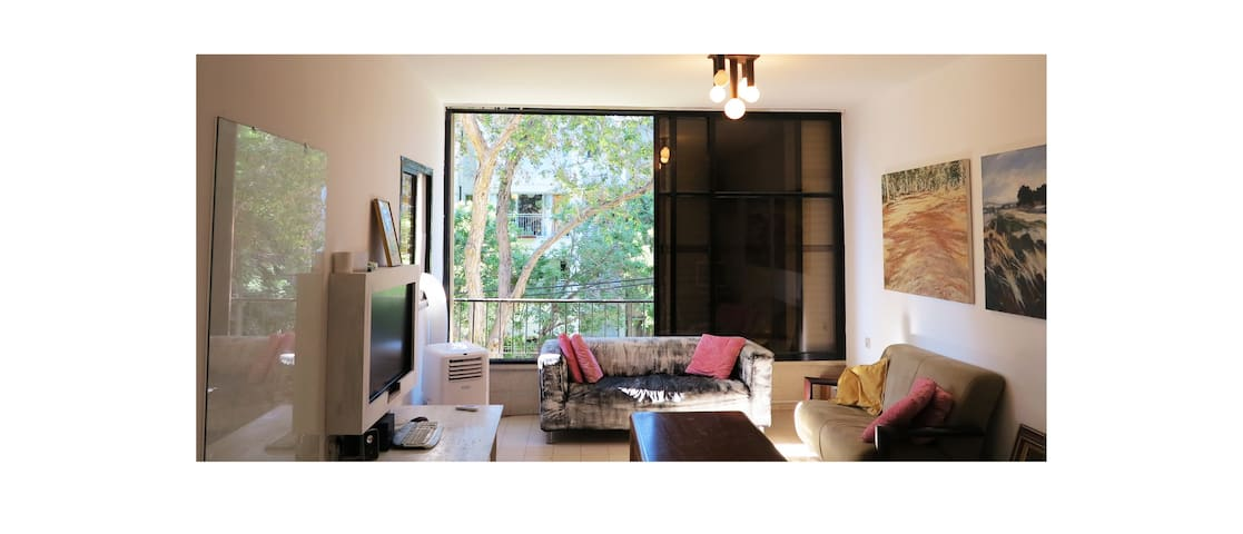Quiet, green apartment in Maoz Aviv