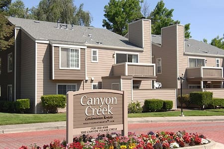 1Female shared accom. in 2 Bedroom condo @SamRamon - San Ramon