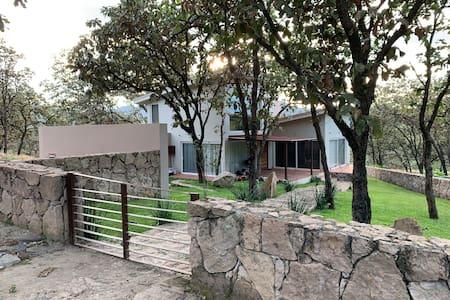 Casa de Campo en Zona Privada