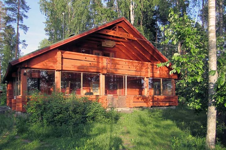 Large log house by the lake - Mikkeli - Cabin