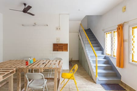 Comfy Dorm@ Arts & Design led Co-living house - Bengaluru - Wikt i opierunek