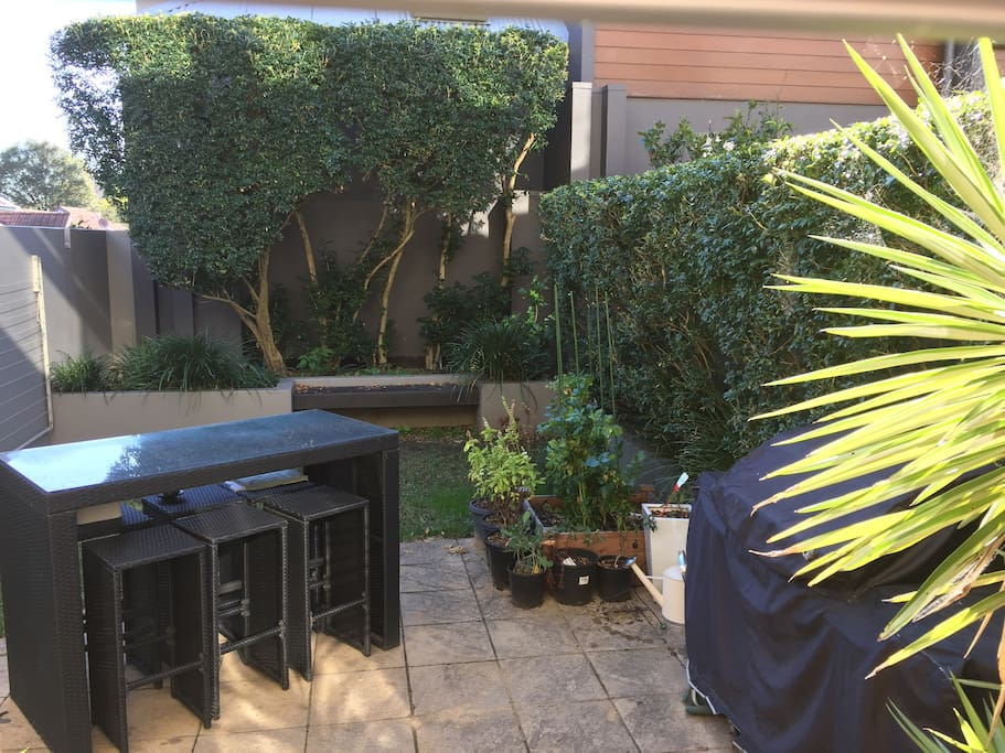 Leafy garden with BBQ facilities