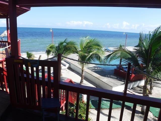 The Toucan Beachfront Suite - Hotel butikowy