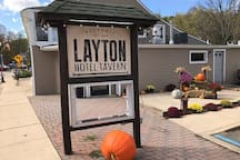 Layton Hotel has great food and pizza!