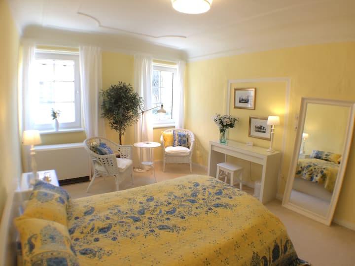 Gästezimmer 5, Bed & Kitchen Goldene Krone Thurnau
