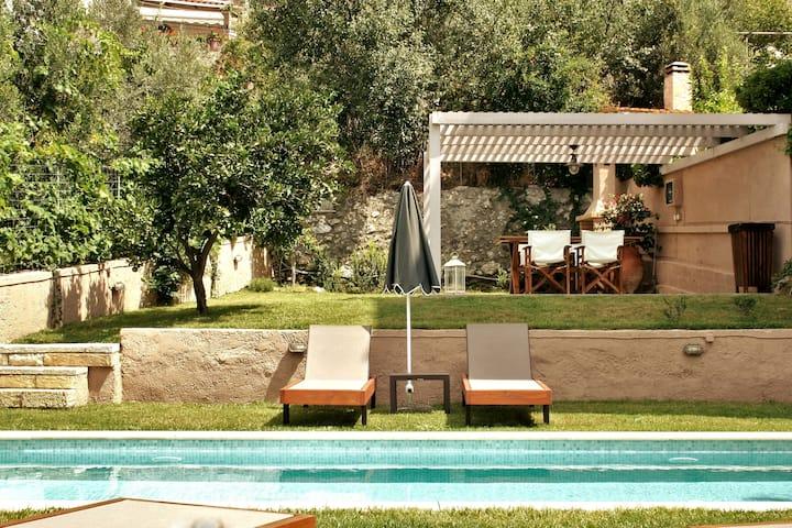 Renas House / villa + Pool +All Amenities