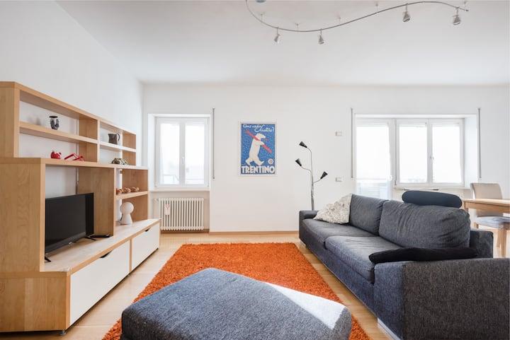 Casa Daniza, big sunny apartment in centre.