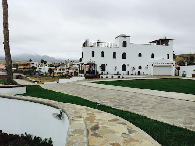 CASA LUNA LLENA.. BEACH HOUSE - Primo Tapia