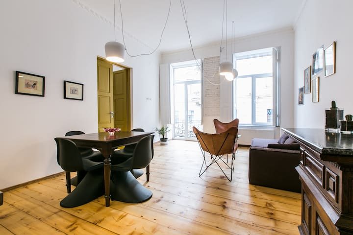 VINYL Apartment in the heart of Tbilisi - Tiflis - Wohnung