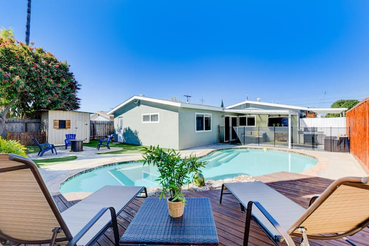 Family Getaway ★ Pool Hot-tub ★ Central ★ 4Bdr
