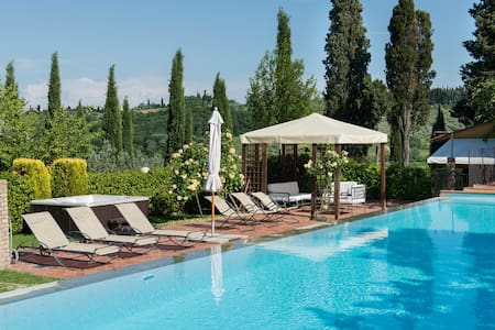 Le Rose Apartment in Tuscany