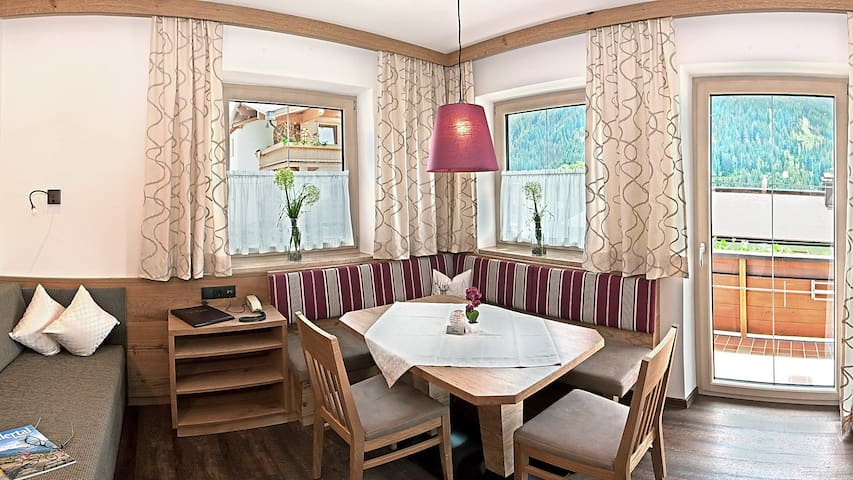 Top Apartment in Tux/Hintertux - Tux - Holiday home